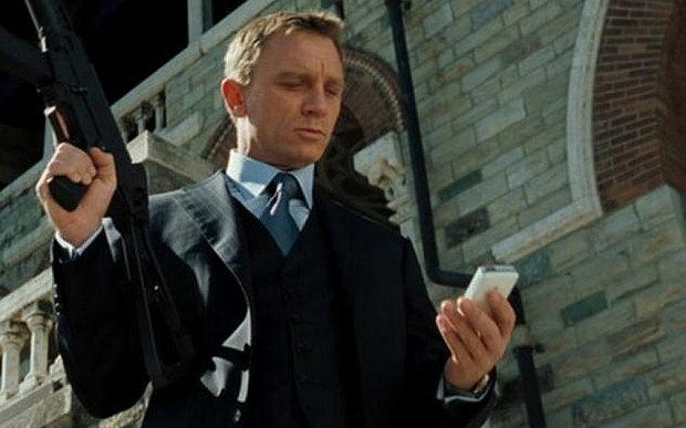 007 con móvil